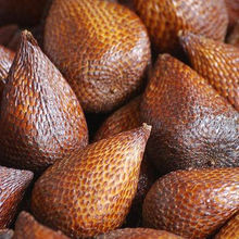 Fresh Fruit Salak/Salaca/Snake Fruit (from farm in Indonesia)