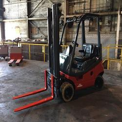 Linde Pneumatic Diesel 3000 Lb Forklift With Side Shift