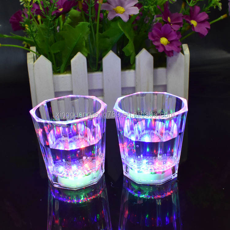 New Small LED shot glass flashing shot glasses luminous cup birthday party Halloween Halloween gift