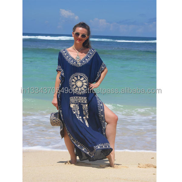 2019 Ladies Best Selling Women's Maxi Dress Bohemian Design Hand Embroidery Side Slit V Neck Pool Party Beachwear Long Kaftan