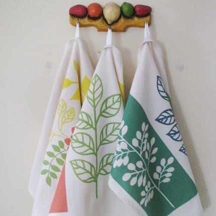 Highly Recommended Seller Selling Kitchen Towel Set Available in Various Size