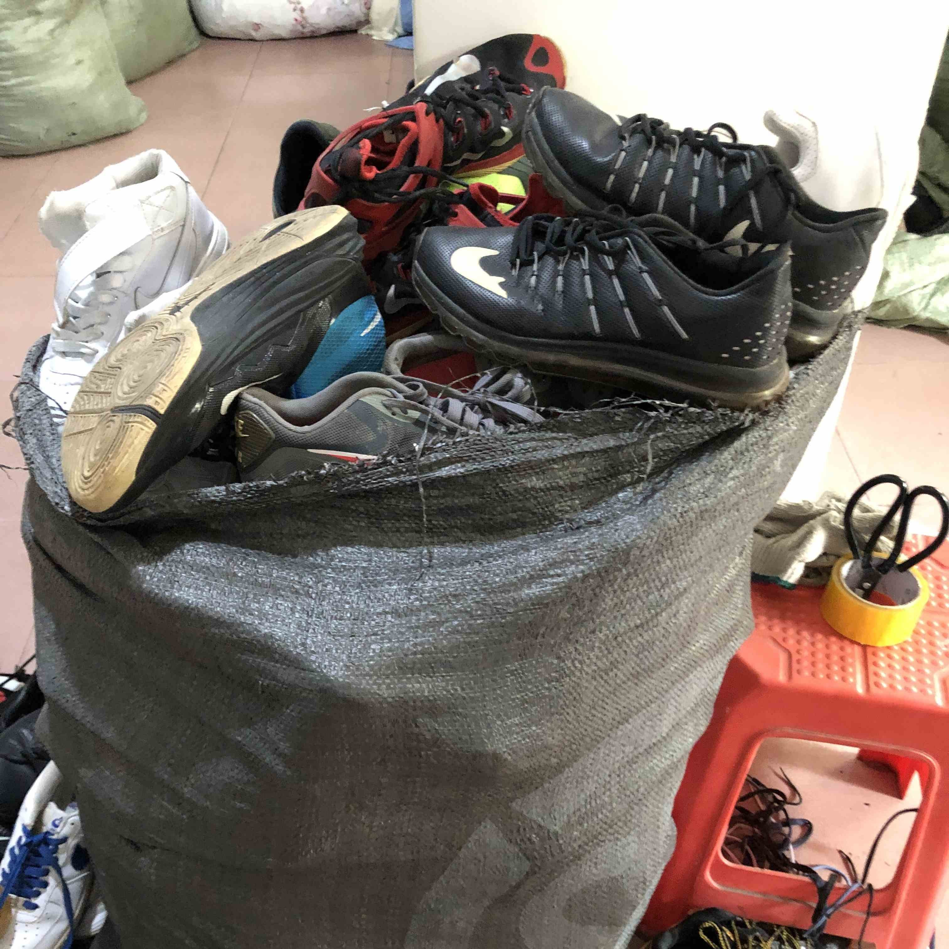used sneaker shoes secondhand running shoes
