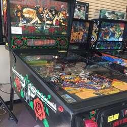 Guns n Roses Pinball Machine.