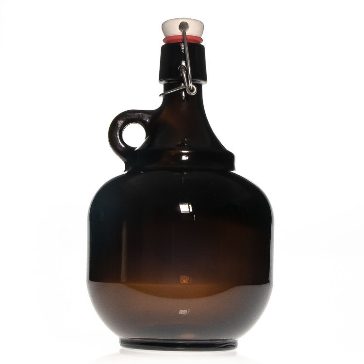 Factory Supplier 2L Amber Empty California Style Beer Growler Glass Wine Bottle with Swing Top and Handle