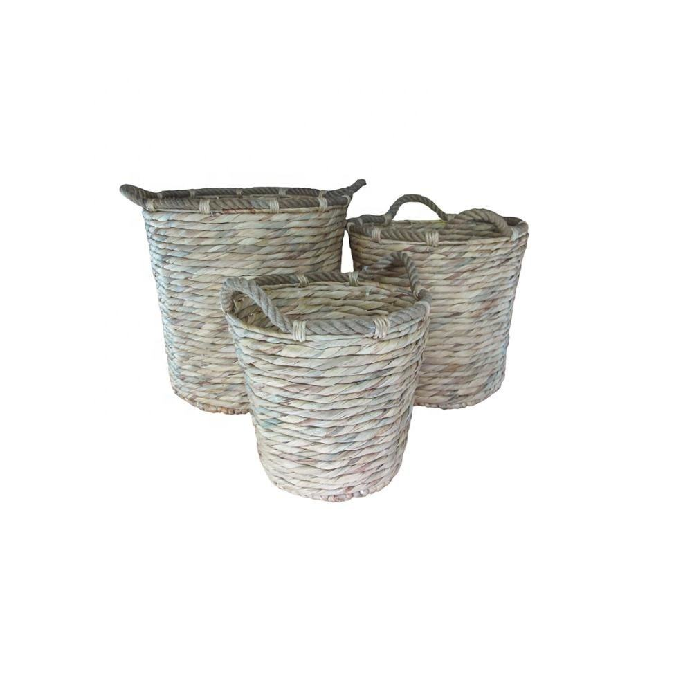 Warm and comfortable pollution-free multi-funtion water hyacinth storage basket