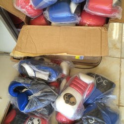Custom Made 100% Cowhide 12oz US Boxing Gloves!