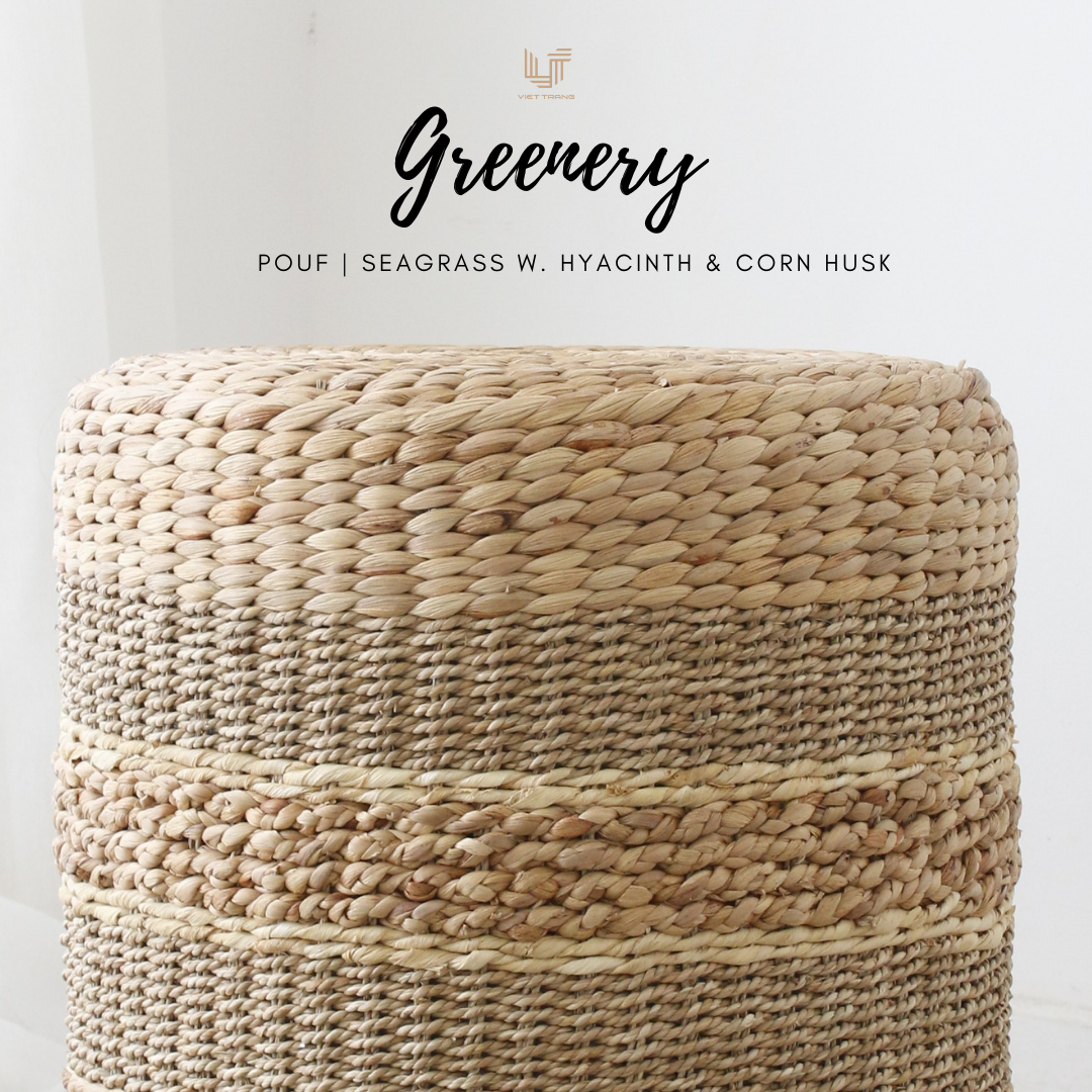 Wholesale Christmas decorations with pouf designs made of natural fiber seagrass round ottoman