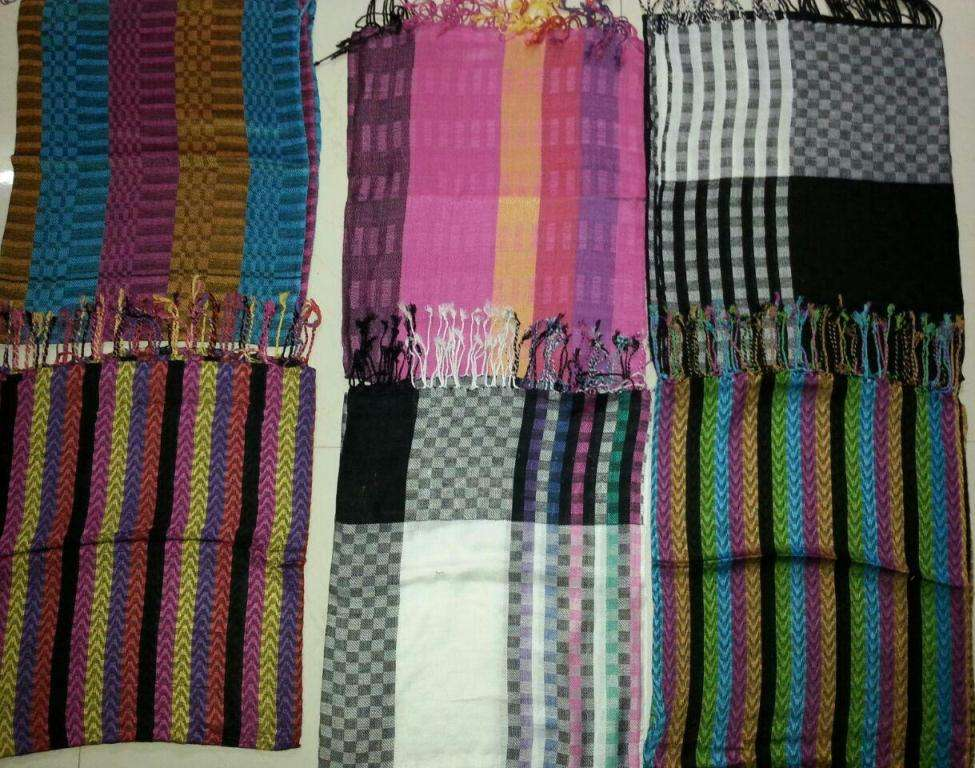 Viscose Scarves in fancy weaves