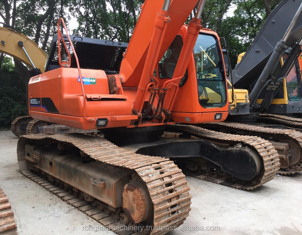 Strong Power Equipment doosan DH300 Model for heavy work/ Working Condition Excavator for sale