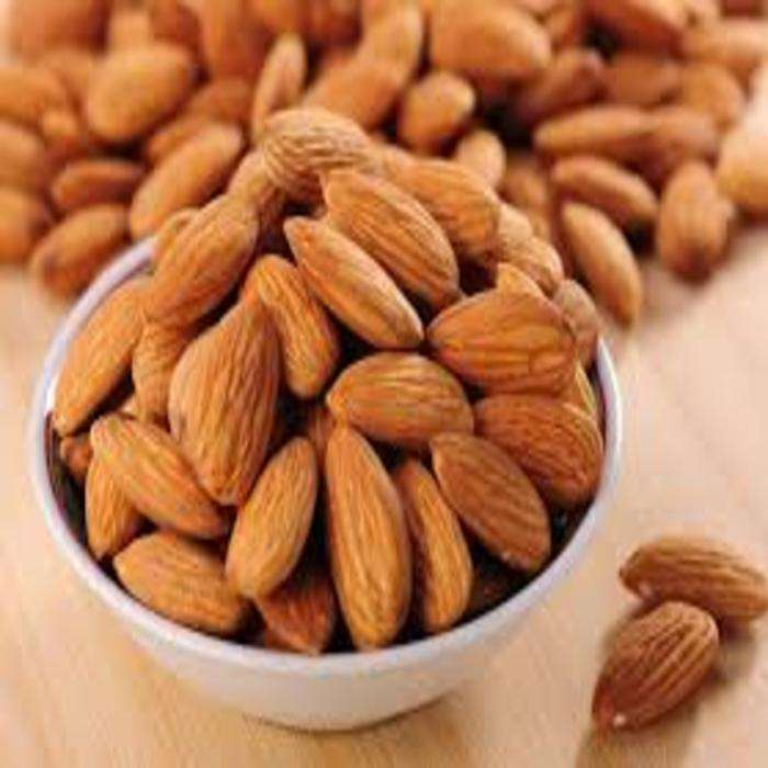 Grade A Almond Nuts / Raw Natural Almond Nuts / Organic Bitter Almonds