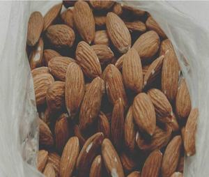 Organic and Healthy Sweet California Almonds / Raw Almonds Nuts