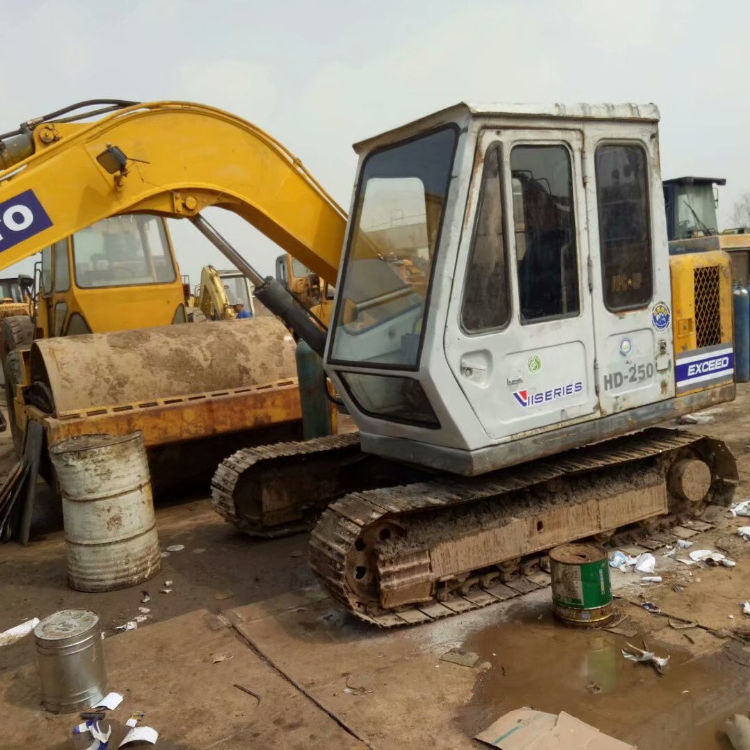 Japan Used New Kato HD-250 Mini Excavator With Low Price For Sale