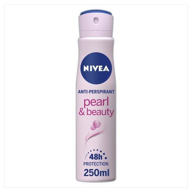 NIVEA Anti-Perspirant Deodorant Spray Pearl & Beauty