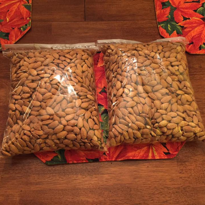 Sweet California Almonds Nuts / Raw Almonds Nuts best prices offer