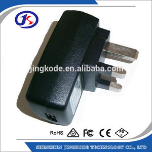 CE RoHS Disetujui Warna Hitam UK Plug Single USB Travel Charger 5V 1A