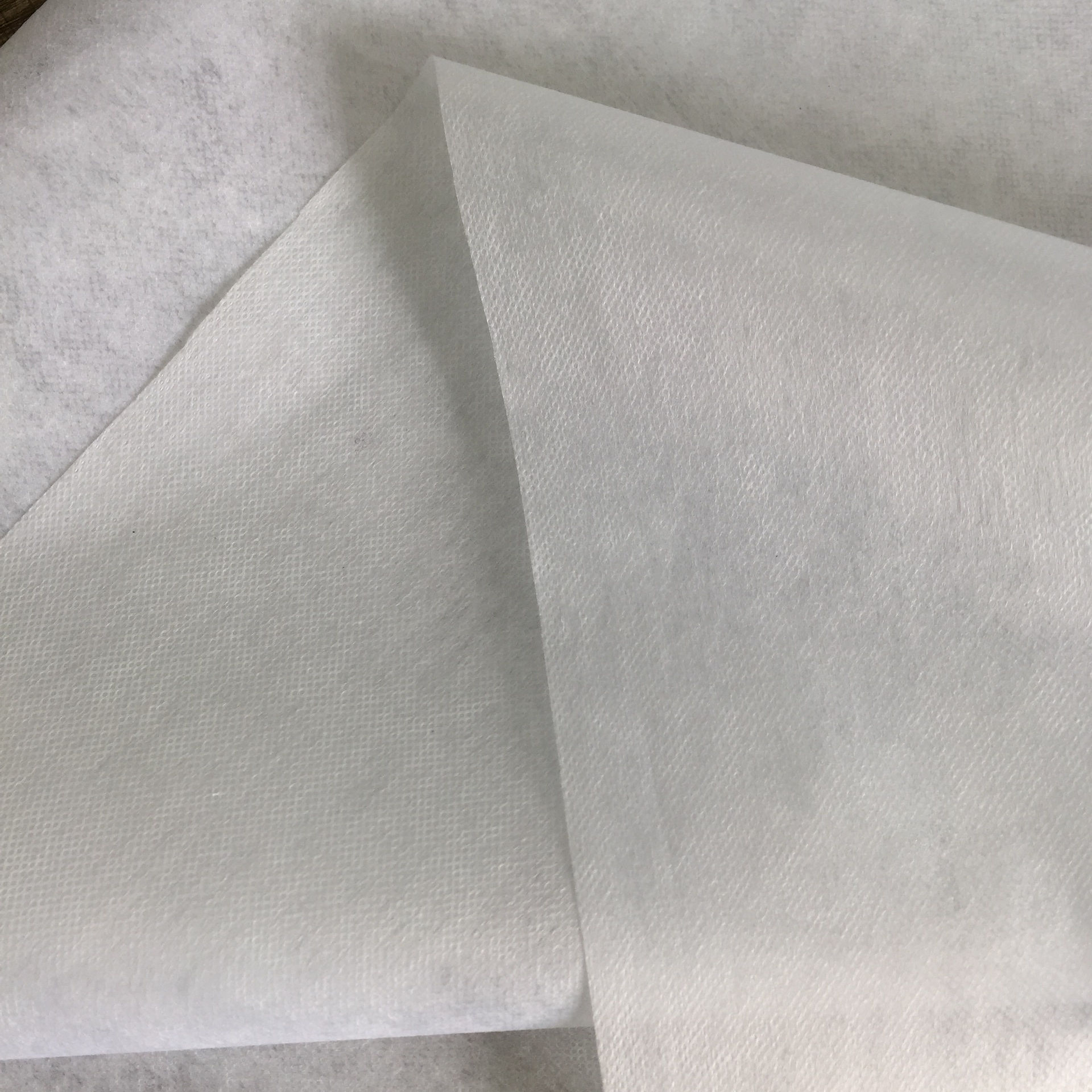 Thermal bond non woven microdot interlining base fabric without glue/adhesive