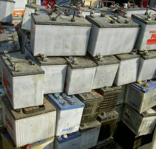 Drained Lead battery scrap/used car battery scrap