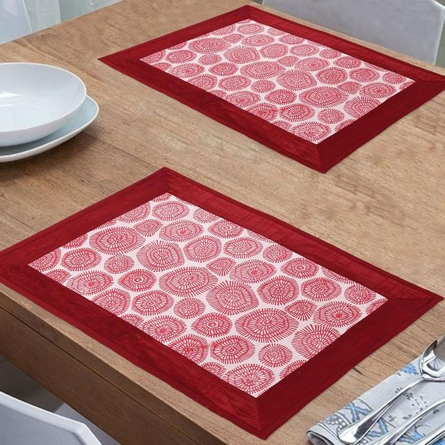 Traditional design printed table mat