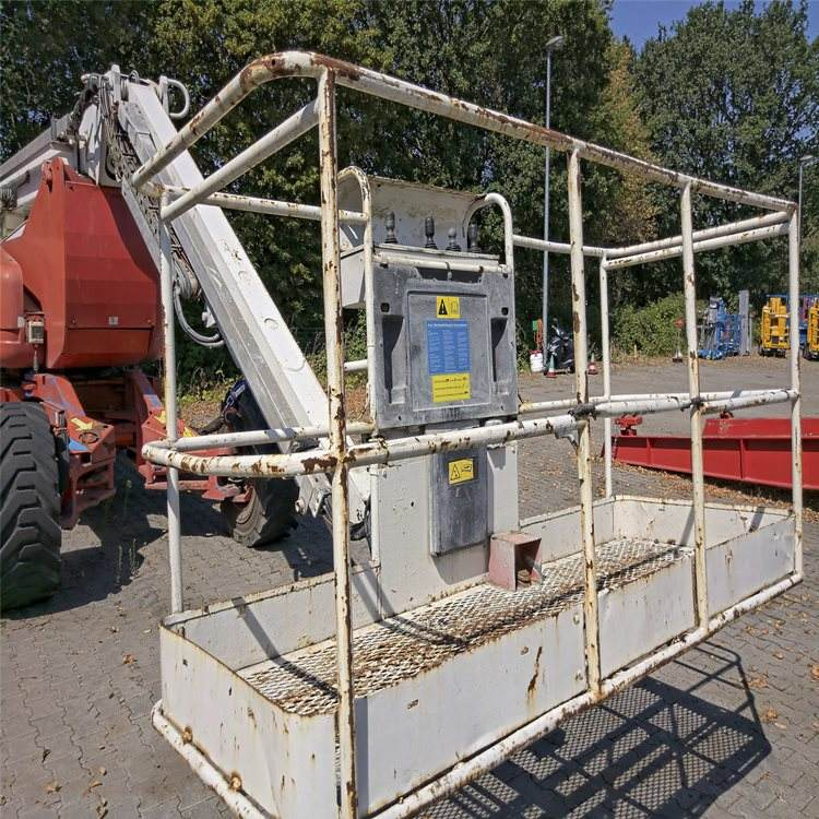 2005 - Genie Z-135 Used Articulated Boom Lift for Sale
