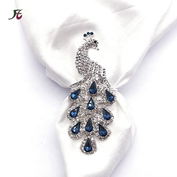 New Style Wholesale Handmade Animal Rhinestone Peacock napkin ring holder napkin ring For table decoration