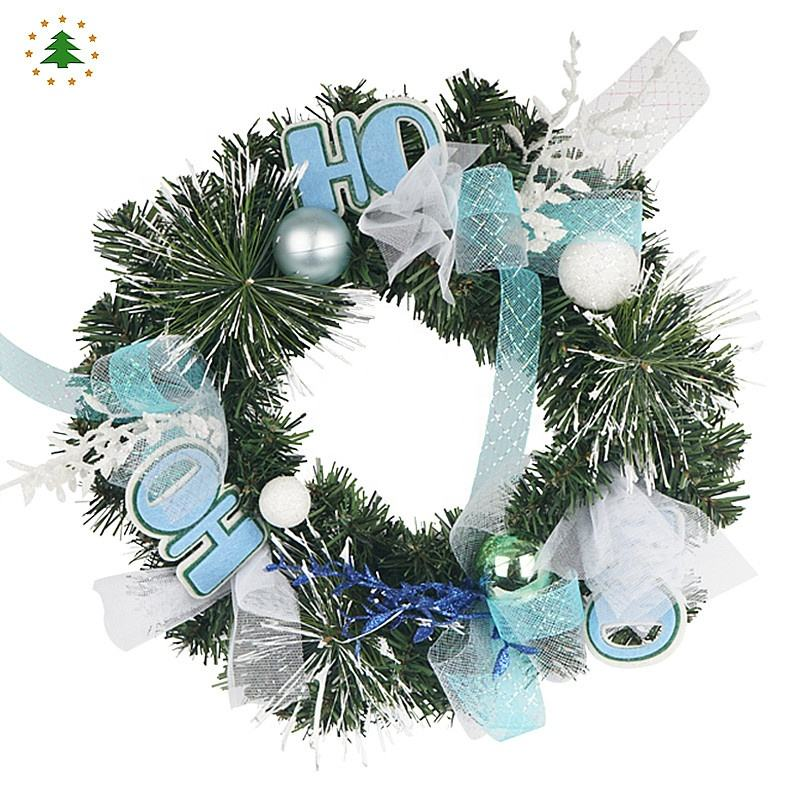 Novelty design wholesale nice looking artificial christmas decorations flower wreath