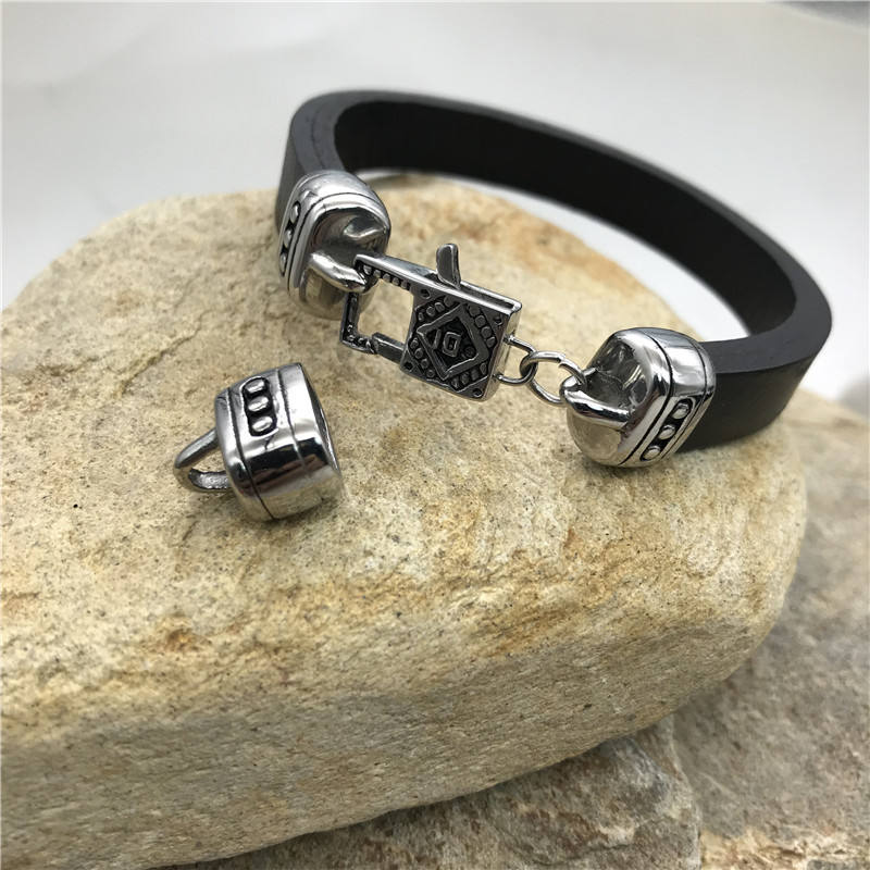 Wholesale European and American Men's Stainless Steel Titanium Steel Leather Rope Bracelets, Lock Accessories