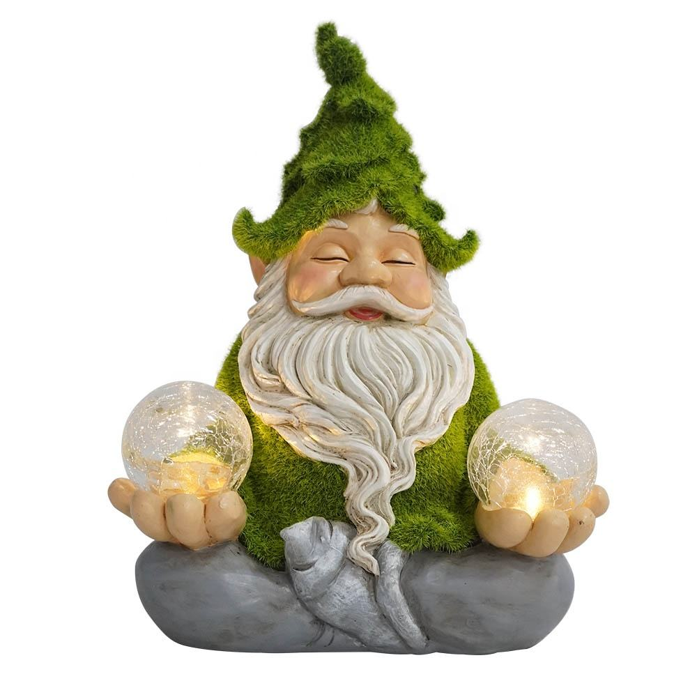 Hot sell new style garden decor waterproof artificial moss finished resin gnome statue with solar light