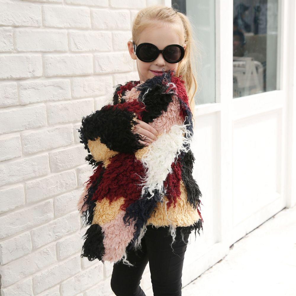 Модное пальто с искусственным мехом контрастного цвета для детей