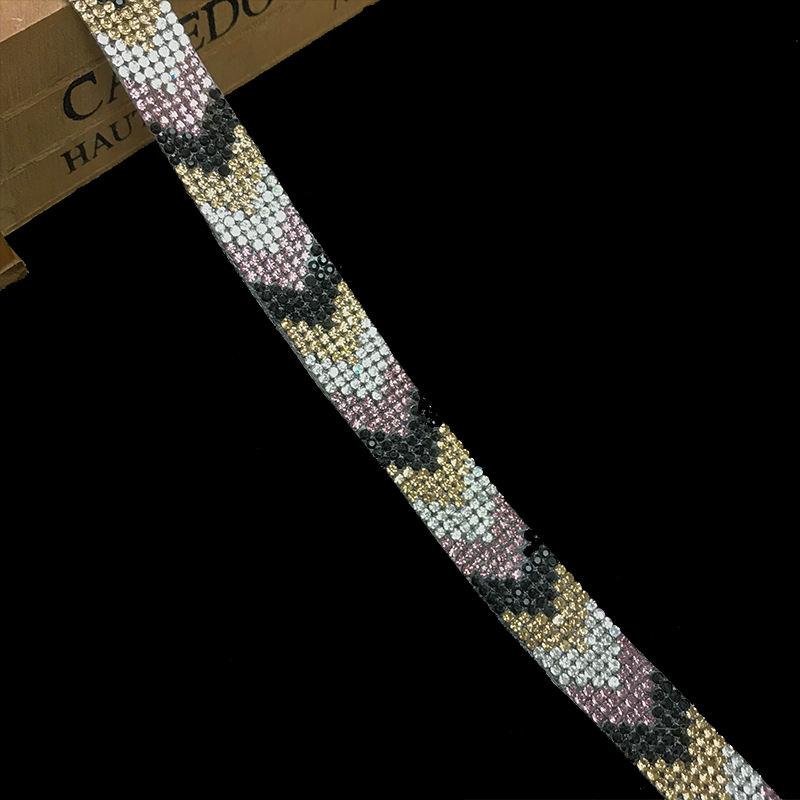 DIY personalizado design diamante cadeia de <span class=keywords><strong>strass</strong></span> ferro em cristais hot fix aparar para decoração de vestuário