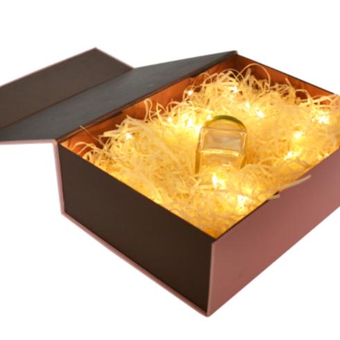 2019 personalizado de lujo blanco de boda batas boda caja de embalaje con cinta