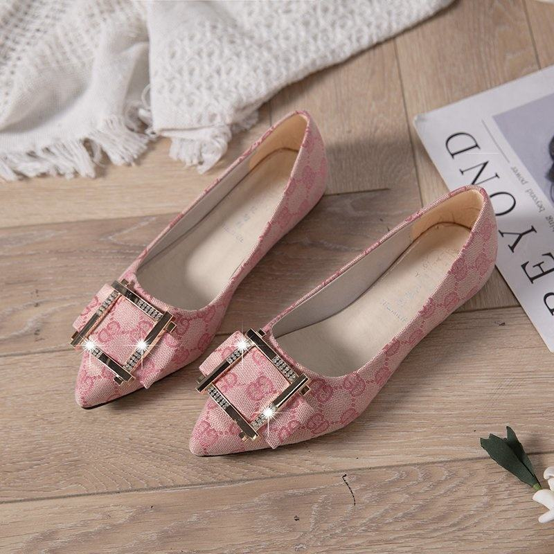 Cute Pointed Toe Brief Rivets Women Flats Bottom Candy Color Women Shoes Ladies Flat Shoes