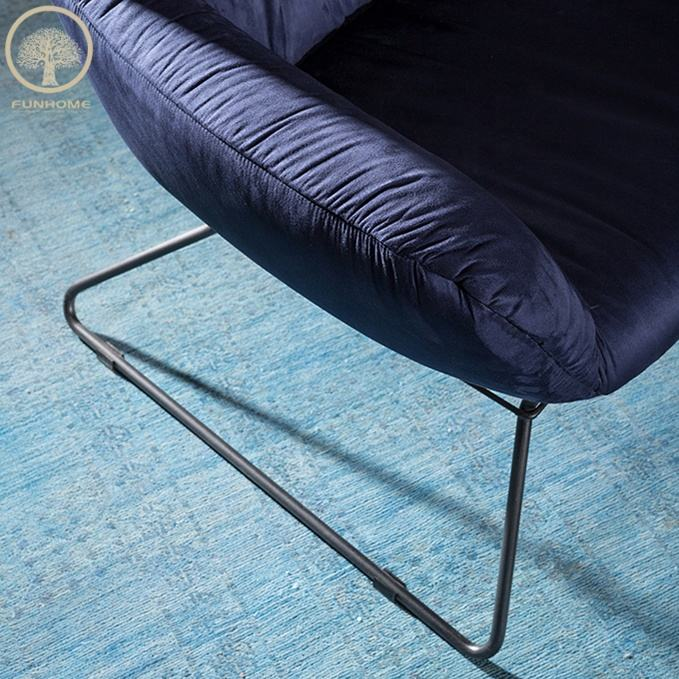 Fábrica directamente tallada sofá Canadá cama muebles de dormitorio con precio de venta directa