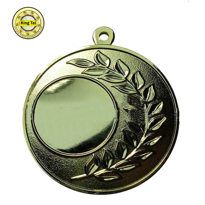 جائزة ميدالية معدنية الإنتاج/ مميزة <span class=keywords><strong>روزيت</strong></span>/ جائزة غرامي