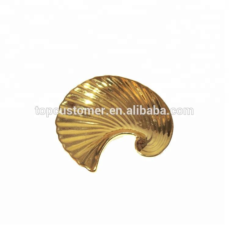 Mesa porcelana abalorio cerámica bandeja Shell Concha forma oro joyería titular bandeja para decoración del hogar