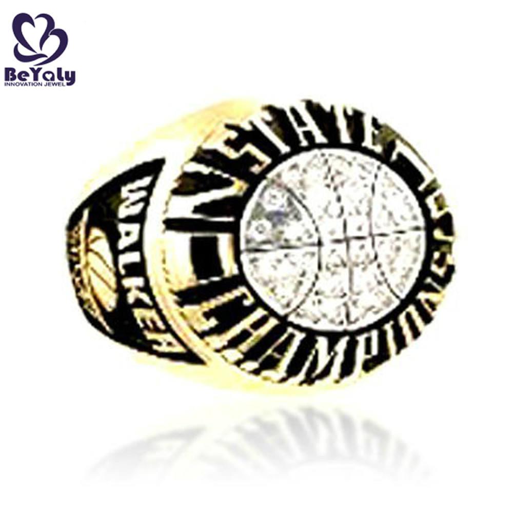 commento favorevole 2001 stato Champions uomo nuovo anello