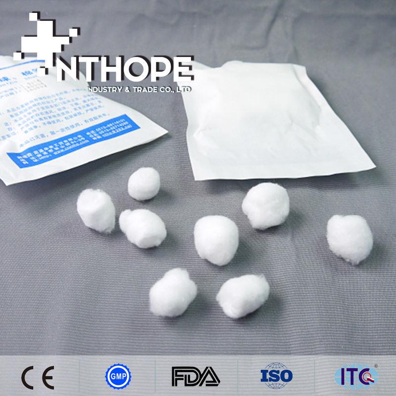Médico del hospital de bolas de algodón sintético