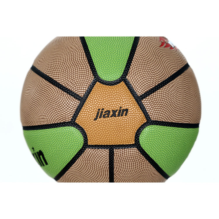 Bunte gummi camp basketball ball