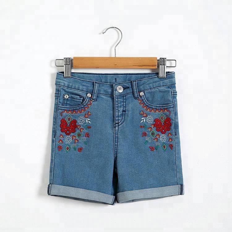 Горячий продавать дешевые талии регулируемый размер для девочек с цветочной вышивкой джинсовые шорты