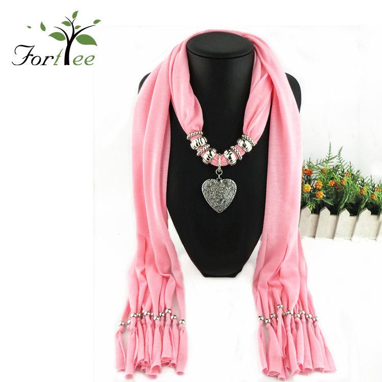 Mujer elegante vintage diseño colgante cuello de poliéster bufanda