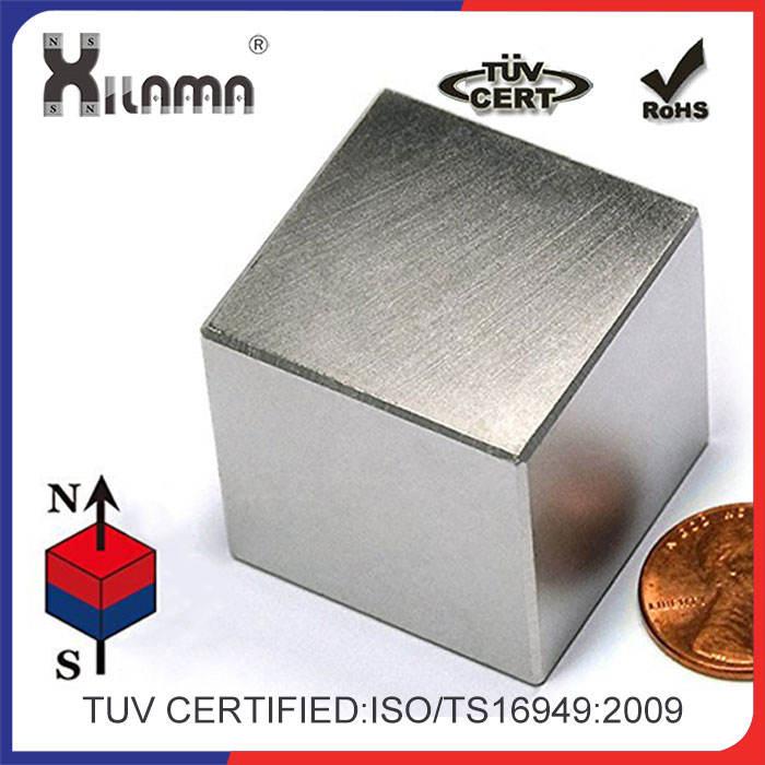 Imán de neodimio C10 para pizarra de cristal magnética (diseño cubo), plateado