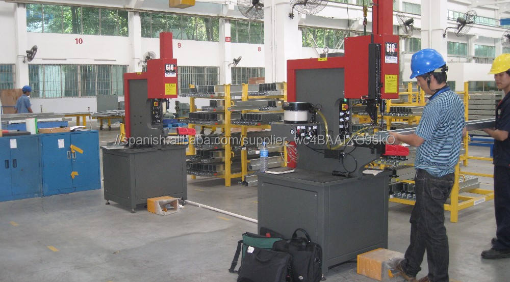 Inserción de prensa hidráulica con <span class=keywords><strong>cambio</strong></span> automático y manual (modelo 416, modelo 618 y modelo 824)