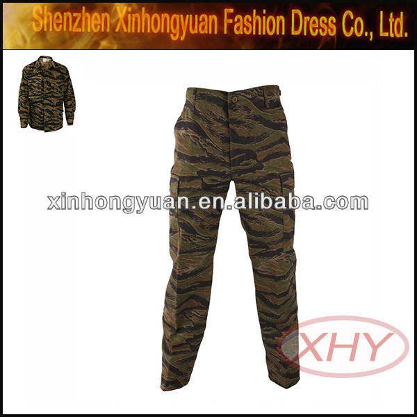 Une classe l'armée. uniforme. surplus. magasin en ligne