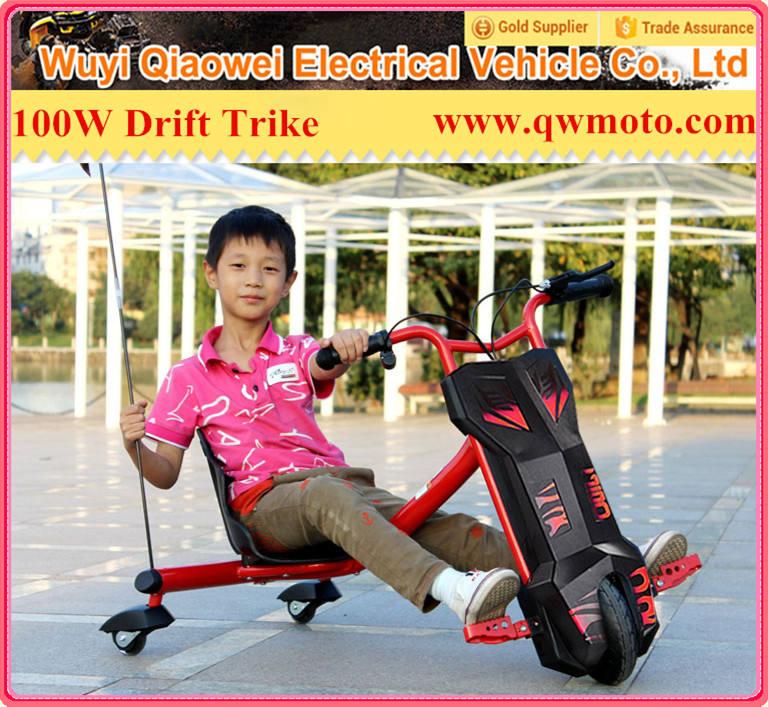 <span class=keywords><strong>Qwmoto</strong></span> 2015 3 ruedas eléctrica deriva scooter eléctrico de tres ruedas con intermitente ruedas para los niños