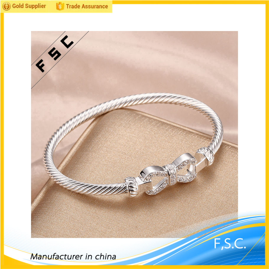 Lo nuevo fringle forma brazaletes baratos por encargo del <span class=keywords><strong>bowknot</strong></span> cz pulseras para niñas