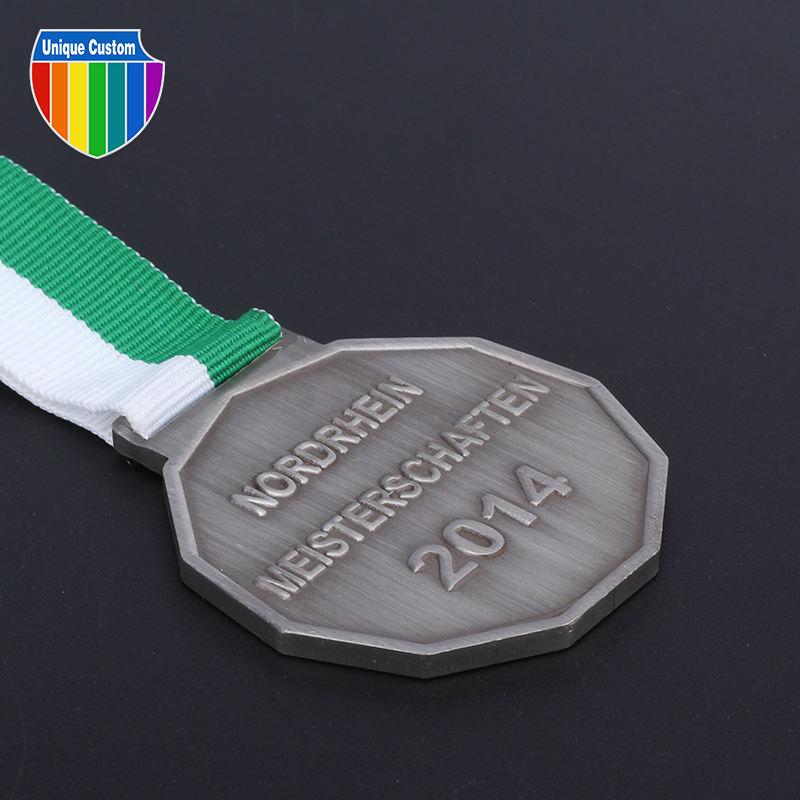 El Precio Más Bajo Premio de <span class=keywords><strong>Bronce</strong></span> <span class=keywords><strong>Latón</strong></span> de Boxeo Deportes de Oro Esmalte Medallón