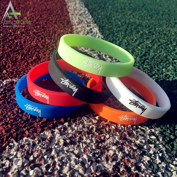 Sports logo wholesale cheap mens rubber wrist custom band wristband silicon bracelet