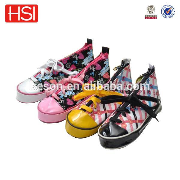 تصميم جديد حذاء على شكل حالة من رصاص، الجدة قلم القضية، الحذاء رصاص القضية ملونة لكرة القدم