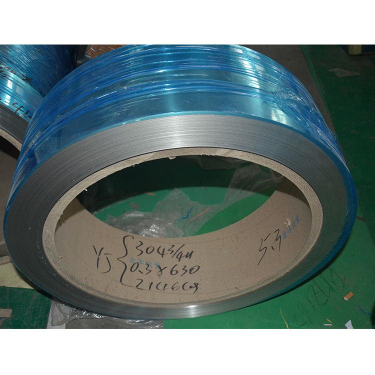 Горячие продажи продукции 0.05 мм толщина тонкой пружинной стали ss 304 премьер-холоднокатаной стали в рулонах