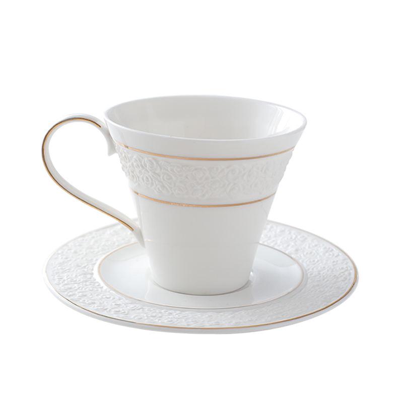 Alibaba chine fournisseur en gros nouveautés marchandises chaude 2017 nouvelle céramique rose porcelaine tasse de thé avec