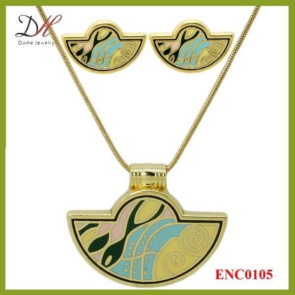 Daihe ENC0105 красивый дизайн кулон эмаль металл комплект